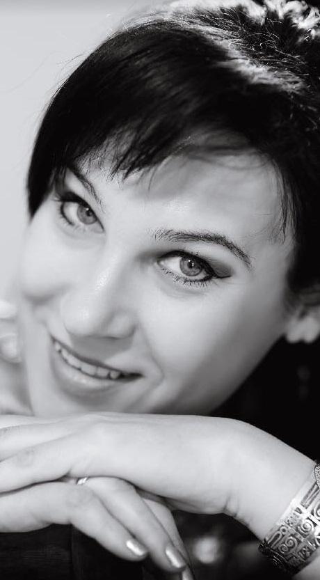 Yelena Kuragina contacts feng shui consultant